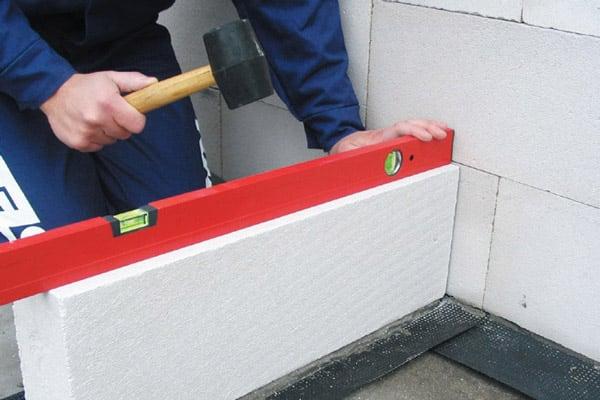 Кладка стен и перегородок из газоблока