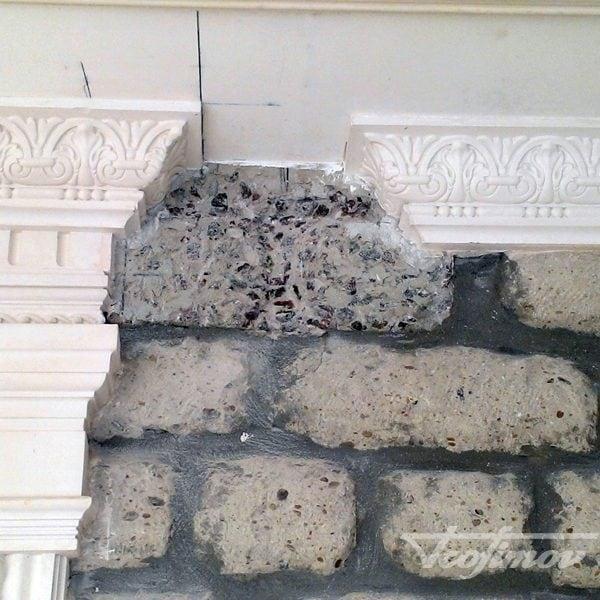 montazh-bagetov-i-potolochnih-plintusov-2