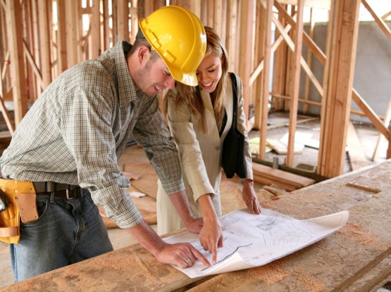 Кому доверить ремонт квартиры или дома