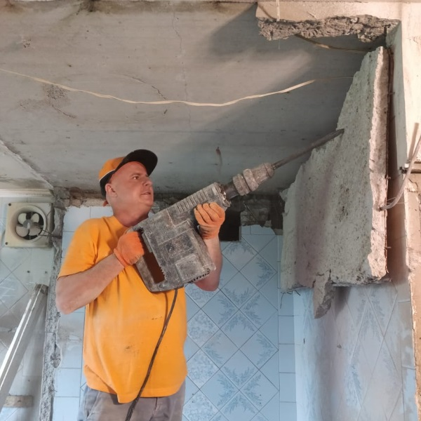 Демонтаж сантехкабины в Харькове