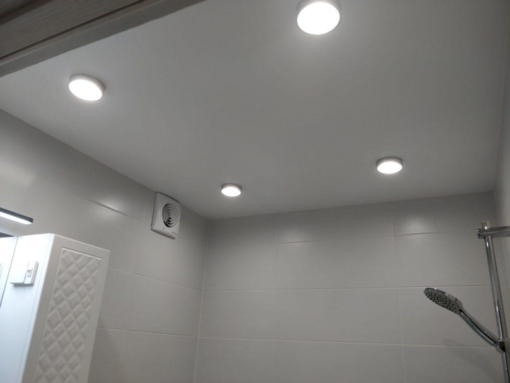Ремонт ванной комнаты. Натяжной потолок