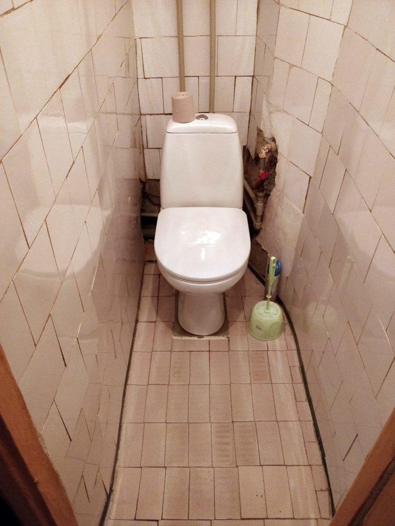 Ремонт во вторичке — туалет (до)