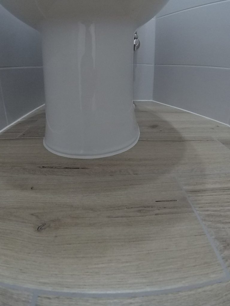 Ремонт вторичного жилья — укладка плитки