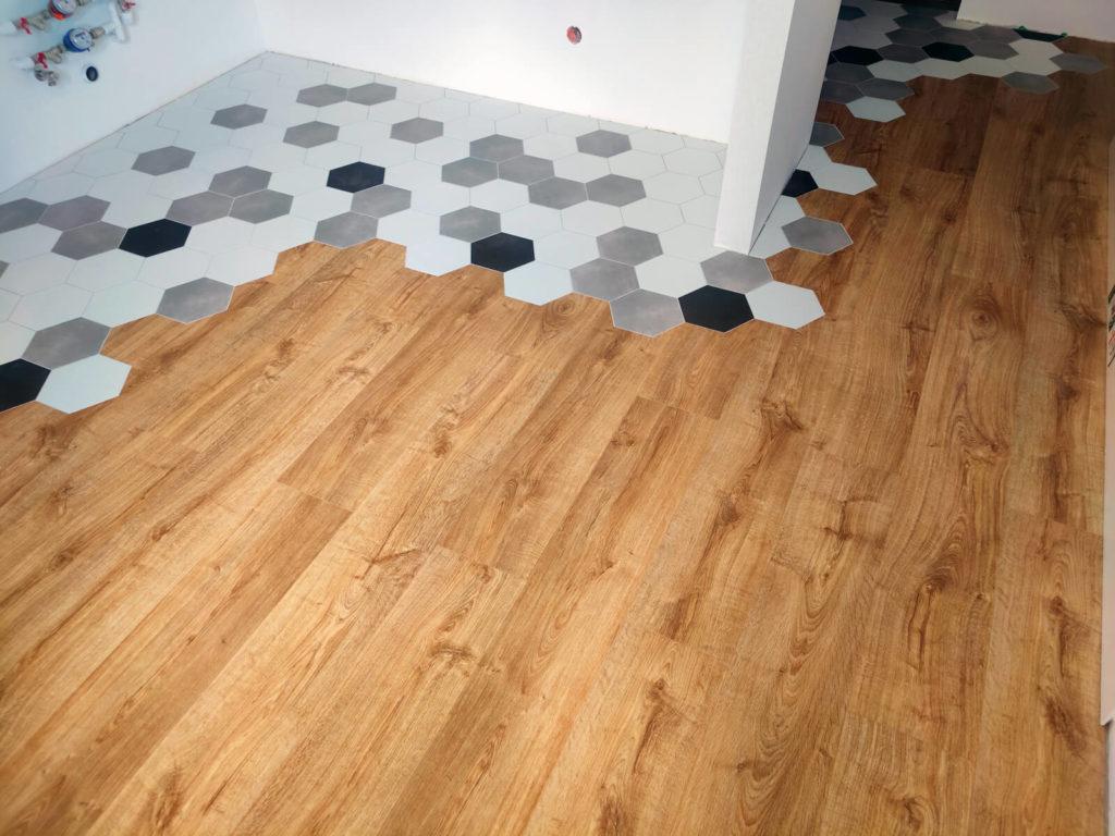 Укладка кварцвиниловой плитки на кухне