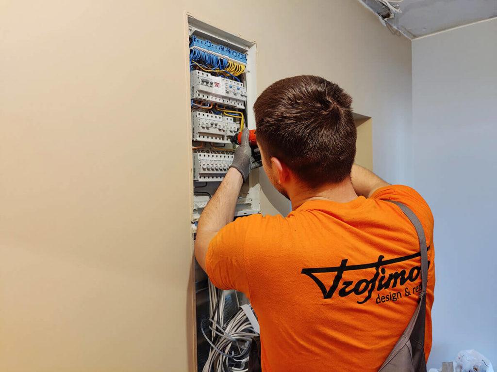 Электромонтажные работы - установка электрического щита