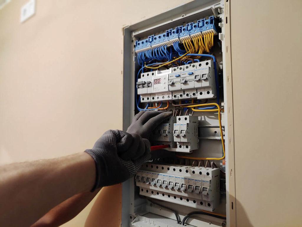 Электромонтажные работы - электрический щит