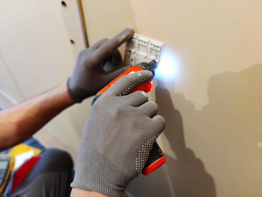 Электромонтажные работы - монтаж выключателей