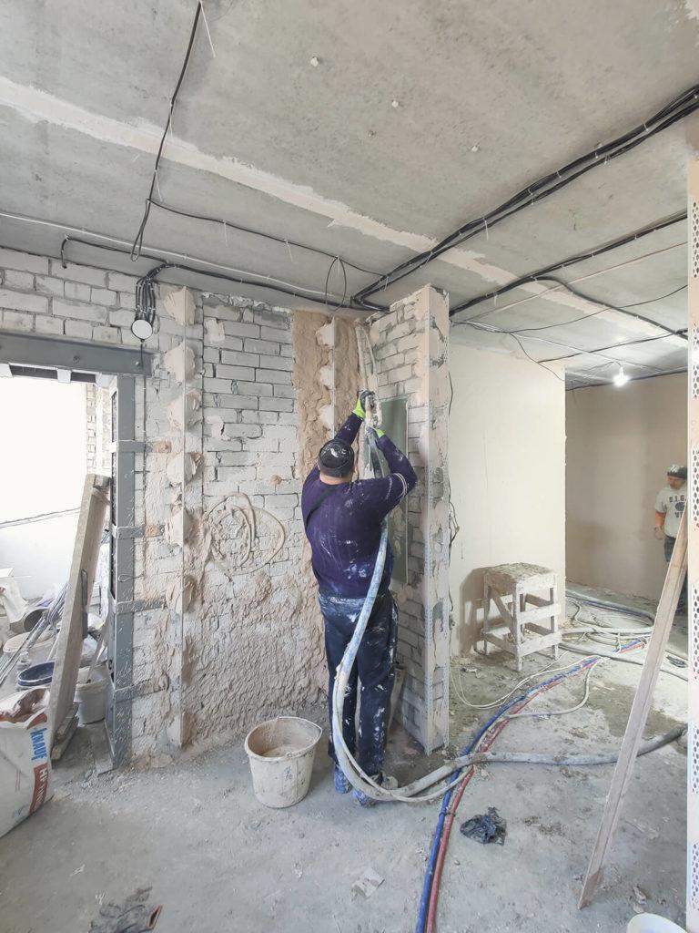 Процесс механизированной штукатурки стен Харьков