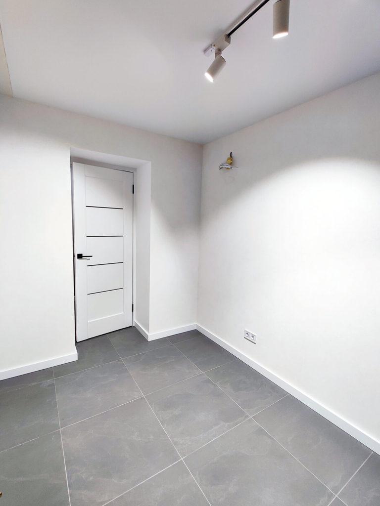 Ремонт кухни в трехкомнатной квартире