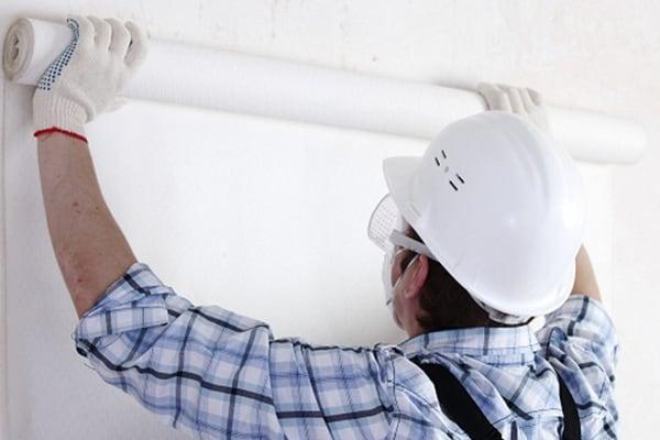 Поклейка флезилина на стены и потолок